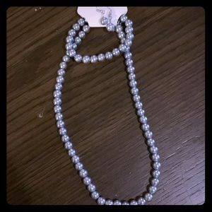 Jewelry - Gorgeous gray pearl 3 piece necklace set